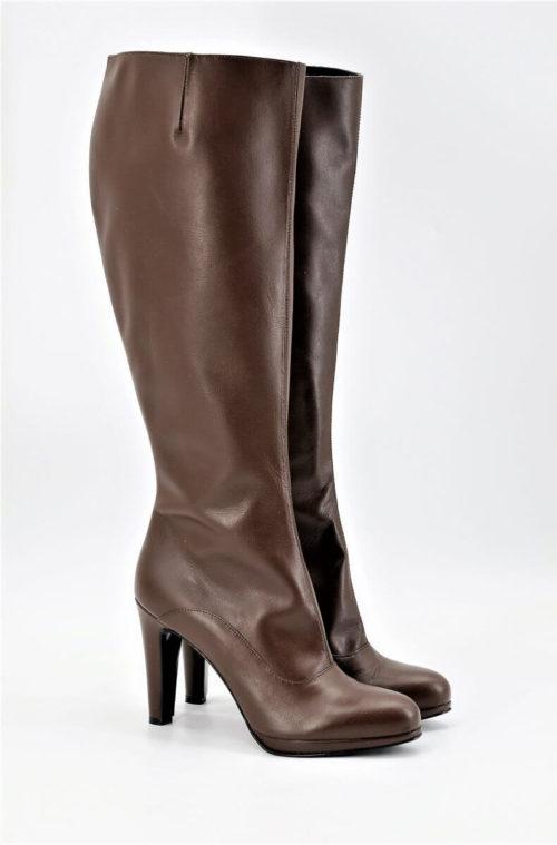 Boots chocolate brown medium