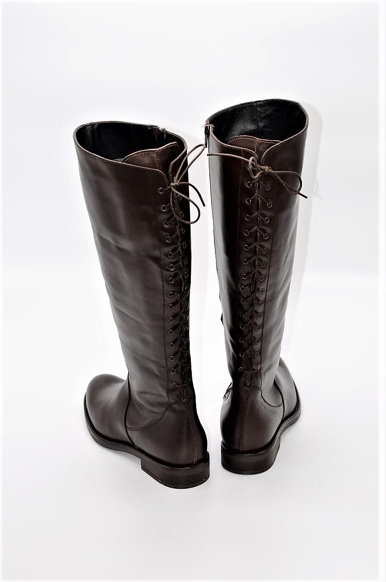 buy popular c7a3c ee91f Stiefel 15-Loch in braun XL Schaftweite | Exlusive Damenschuhe und Stiefel  aus Italien. NoLimitShoes.com