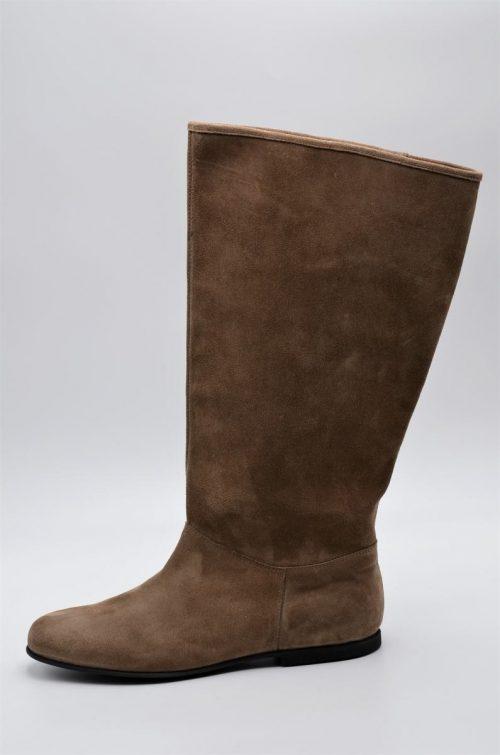 Stiefel Wildleder taupe für die ÜberStiefel Wildleder taupe für die Übergangszeit in XL-Schaftweite