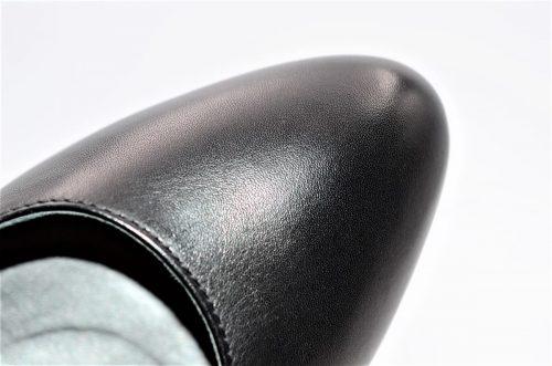 Pumps aus schwarzem Glattleder