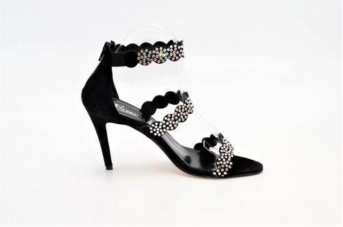 Sandalen aus schwarzem Wildleder mit Kristallapplikation