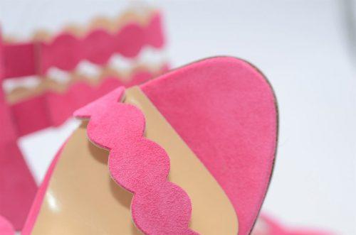 Sandalen aus Fuchsia farbenem Wildleder