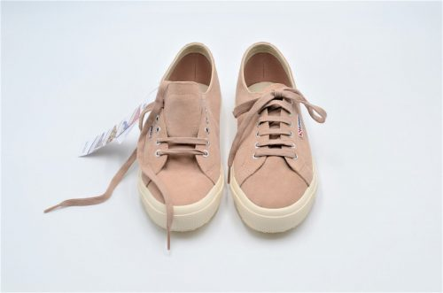 Superga aus Veloursleder in nude