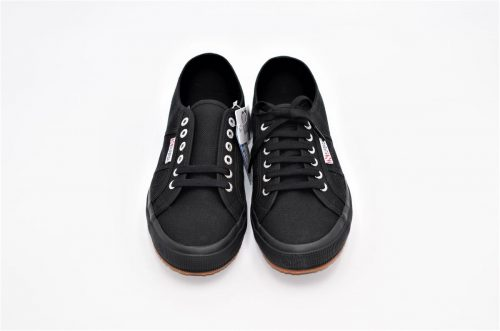 Superga full black aus Baumwolle