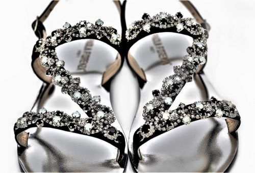 Paola Fiorenza Capri Sandals aus Wildleder in schwarz mit Kristallen