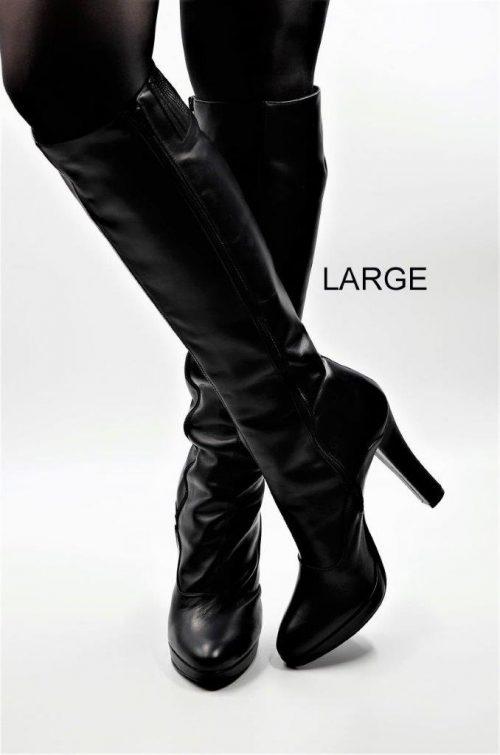 Stiefel für schlanke Beine aus schwarzem Leder. Schaft large