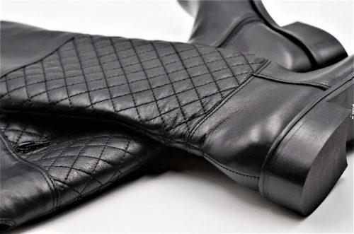 Stiefel mit Rautenmuster
