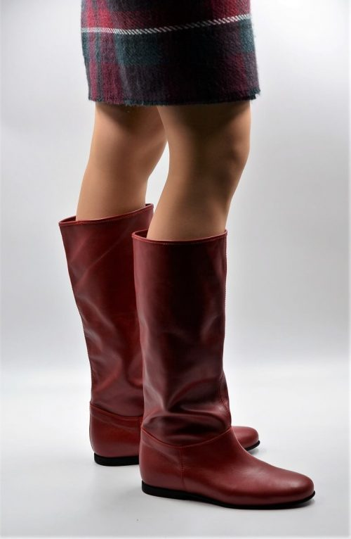 Stiefel in rot für die Übergangszeit