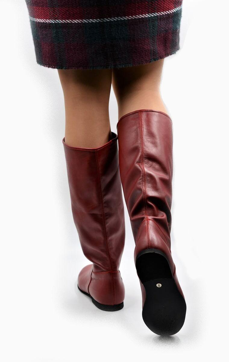 Stiefel in rot für die Übergangszeit   Exlusive Damenschuhe und Stiefel aus Italien.