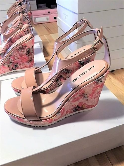 Wedges Sandalen in nude und rosa