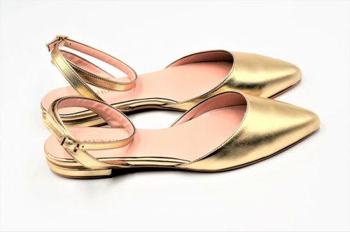 Goldene Ballerina mit Riemen
