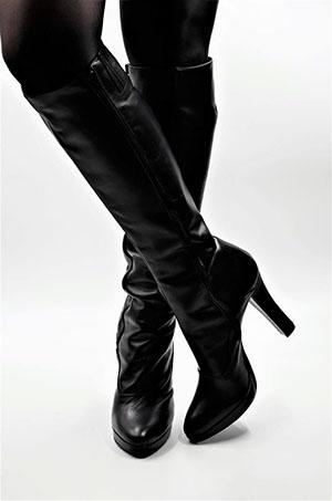 Eine schöne Auswahl an italienischen Stiefeln bis Größe 47